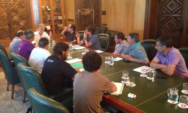 El comité de FCC parques y jardines transmite al alcalde Pedro Santisteve los beneficios que supondría la remunicipalización de parques y jardines