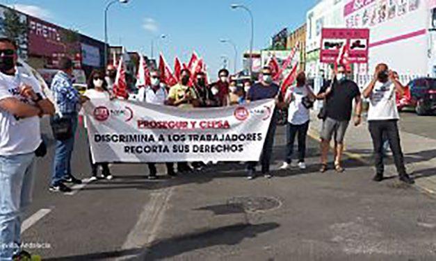 Los trabajadores y trabajadoras de Prosegur se concentran en Sevilla en defensa de sus puestos de trabajo